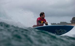 Benoît Carpentier sur la mythique vague de Sunset Beach, à Hawaï, cette année.