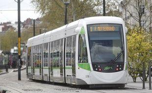 Un tramway de la ligne 1 à Nantes.