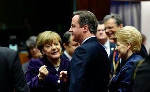 La chancelière allemande Angela Merkel et le Premier minstre  David Cameron le 17 décembre 2015 à Bruxelles