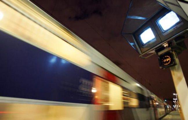 Roissy: Une taxe dès 2017 sur les billets d'avion pour financer le CDG Express