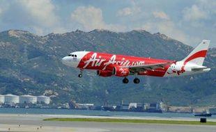 Les transporteurs aériens japonais ANA et malaisien AirAsia ont décidé mardi de mettre fin à leur filiale commune au Japon, en raison de disputes sur l'art et la manière de gérer une compagnie à bas coûts.