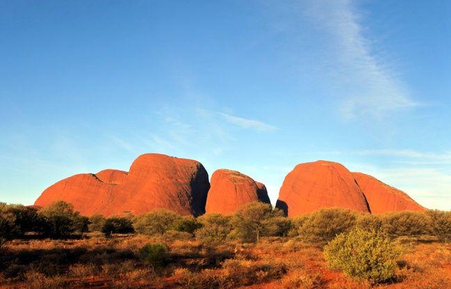 Australie: Des aborigènes bloquent l'accès d'Uluru, par crainte du coronavirus