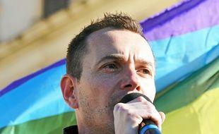 Vincent Autin, premier marié gay du pays.