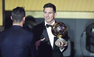 Lionel Messi félicité par Cristiano Ronaldo