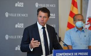 Le juge des référés a donné raison au maire de Nice, attaqué devant le tribunal administratif pour excès de pouvoir après avoir imposé le port du masque en extérieur par arrêté municipal