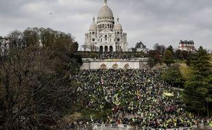 Manifestation de «gilets jaunes» devant le Sacré Cœur à Paris le 23 mars 2019.