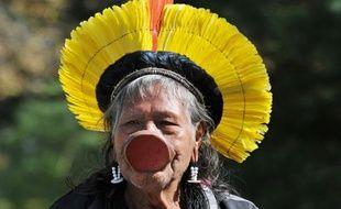 Le chef indien brésilien Raoni, connu dans le monde entier pour son combat en vue de défendre la forêt amazonienne, a lancé un cri d'alarme sur la situation extrêmement préoccupante en ce moment sur son territoire afin d'éviter un bain de sang.