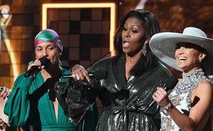 Alicia Keys, Michelle Obama et Jennifer Lopez sur la scène des Grammy Awards, le 10 février 2019.