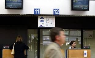 Air France a confirmé mardi son projet, révélé la veille par la CFDT, de mettre fin à la desserte aérienne entre Strasbourg et Roissy Charles-de-Gaulle à compter de décembre 2012 et de proposer à la place une desserte ferroviaire en partenariat avec la SNCF.