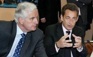 Le ministre de l'Agriculture et de la Pêche Michel Barnier reçoit ce mercredi les représentants des marins-pêcheurs qui attendent des aides promises par le président Nicolas Sarkozy.