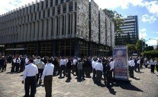 Au moins 39 personnes sont mortes et 155 ont été blessées au Guatemala après le séisme de 7,4 degrés qui a secoué à la mi-journée la côte pacifique du pays, a déclaré le président Otto Perez à la presse au cours d'un déplacement dans la zone la plus affectée du pays.