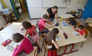 Des écoliers dans une école élémentaire Plan de la Cour, à Vitrolles, en 2012.