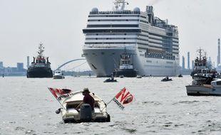 Un paquebot à Venise.