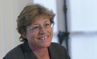 """Les députés socialistes se sont déclarés """"unanimement favorables à une législation draconienne sur la transparence et le contrôle de la vie publique"""", a déclaré mardi l'une de leurs porte-parole, Annick Lepetit."""
