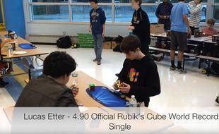 Lucas Etter est le nouveau boss du Rubik's cube.