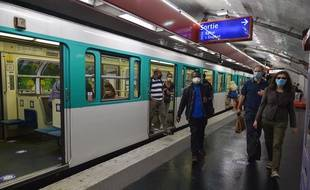 Le métro parisien en mai 2020, peu après le déconfinement. (illustration)