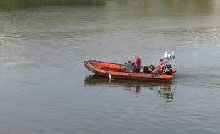 A Nantes, le 9 avril 2015- Illustration pompiers plongeurs