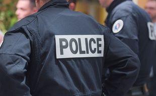 Les policiers ont interpellé l'agresseur, qui avait aussi volé le portable de la victime. Illustration.
