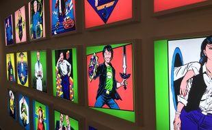 Un mur coloré présente de façon intelligente les plus grands créateurs de jeux vidéo.