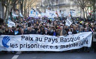 Plusieurs milliers de personnes ont manifesté ce samedi en milieu de journée à Paris à l'appel d'organisations et d'élus du Pays basque pour demander «la fin du régime d'exception pour les prisonniers basques».
