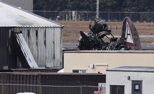 Les restes carbonisés d'un bombardier B-17 de la Seconde Guerre mondiale qui s'est écrasé à l'aéroport de Bradley International, dans le Connecticut, le 2 octobre 2019.