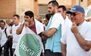 Des membres de la FNSEA lors de la manifestation contre la directive nitrates, le 28 août devant la préfecture de Toulouse.