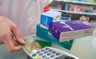 Illustration d'un paiement de médicaments chez un pharmacien.