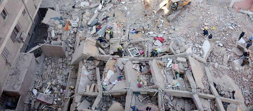 Les forces de la protection civile ont extrait de nouveaux corps des décombres