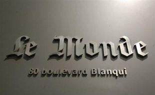 Un tribunal de Barcelone a condamné le journal français Le Monde et un de ses journalistes à verser 300.000 euros de dommages et intérêts au FC Barcelone pour un article jugé diffamatoire qui évoquait des pratiques de dopage au sein du club de football catalan.