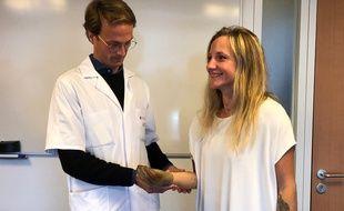 Edward de Keating Hart, chirurgien, et sa patiente Priscille Deborah