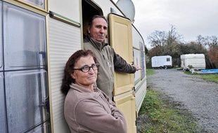 Esther, 60 ans, s'apprête à quitter sa caravane pour une maison HLM avec jardin de 90 m2. Le 6 janvier 2011 à Rezé, en Loire-Atlantique.