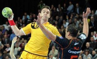 Chambéry court à la catastrophe en Ligue des champions messieurs de handball, après avoir concédé sa troisième défaite en autant de journées face à la relativement modeste équipe de Saint-Pétersbourg (27-31), samedi en Russie.