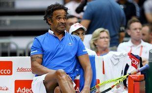 Yannick Noah dépité en Coupe Davis le 18 septembre 2016.