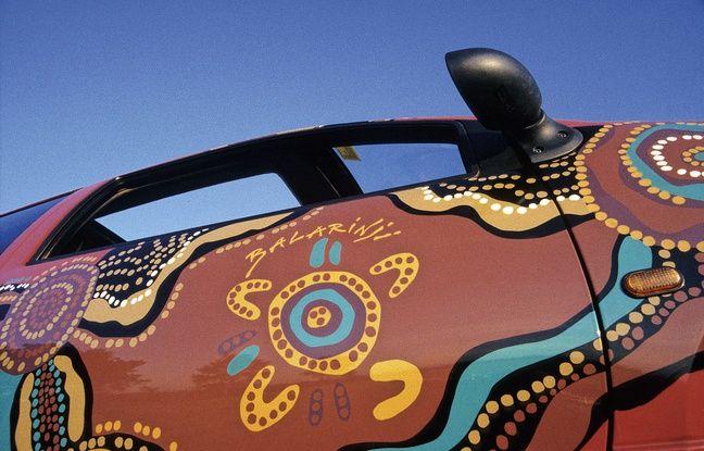 C'est le célèbre groupe d'artistes aborigènes Balarinji qui a décoré la Twingo.