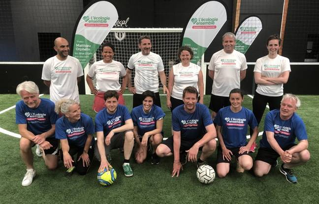 Les écologistes s'affrontent au football, pour pousser la candidature de Matthieu Orphelin.
