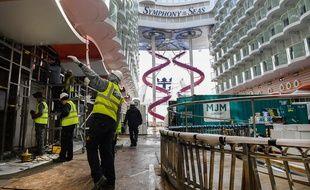 Le Symphony of the seas en cours de construction à Saint-Nazaire.