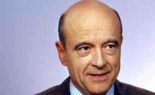 La liste du maire sortant de Bordeaux Alain Juppé (UMP) serait élue par 52% au premier tour des élections municipales en devançant celle de son rival socialiste Alain Rousset de quinze points, selon un sondage Ifop/Fiducial à paraître jeudi dans l'hebdommadaire Paris Match.