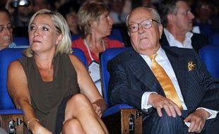 Marine et Jean-Marie Le Pen lors des Journées d'été du Front national à Nice, samedi 10 septembre 2011