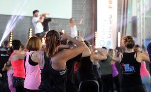 Session danse organisée le 27 novembre par l'entreprise de fitness L'Orange Bleue à Rennes.