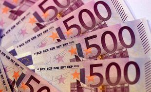 Les Françaises épargnent plus que les Français et que leurs voisines européennes, mais elles sont par contre parmi les plus frileuses lorsqu'il s'agit d'investir, selon une étude du gestionnaire d'actifs américain BlackRock