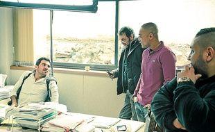 Les acteurs des séries Braquo et Mafiosa jouent dans le clip, long de six minutes.