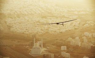 L'avion solaire Solar Impulse, le 10 mars 2015, au-dessus de Muscat, capitale du sultanat d'Oman.
