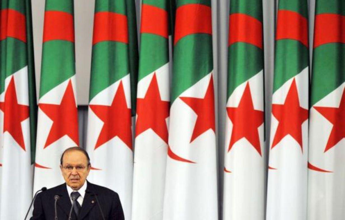 Le cinquantenaire des Accords d'Evian et du cessez-le-feu ayant précédé l'indépendance de l'Algérie, après 132 ans de colonisation par la France, n'est célébré lundi officiellement dans aucun des deux pays, mais largement évoqué – Fayez Nureldine afp.com