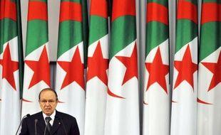 Le cinquantenaire des Accords d'Evian et du cessez-le-feu ayant précédé l'indépendance de l'Algérie, après 132 ans de colonisation par la France, n'est célébré lundi officiellement dans aucun des deux pays, mais largement évoqué