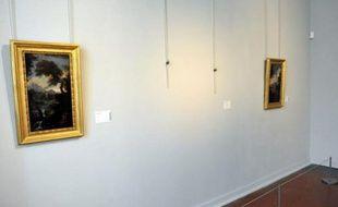 Le 19 février 2011, dans une des salles du musée des  Beaux-Arts d'Ajaccio, le Palais Fesch: l'emplacement laissé vide par le vol de tableaux par l'agent de  sécurité de nuit du musée