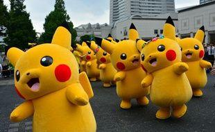 Une dizaine de Pikachu, illustration.