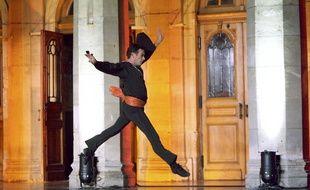 L'ex danseur étoile Patrick Dupond ouvre une école de danse à Bordeaux.