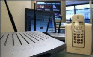 """Le fournisseur d'accès internet Free a décidé de poursuivre pour diffamation deux responsables de l'association de défense des consommateurs UFC-Que Choisir, dont son président Alain Bazot, qui avait qualifié la société d'""""autiste"""", a-t-on appris lundi auprès de ce dernier."""