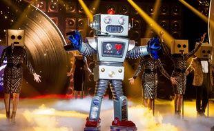 Le Robot dans Mask Singer sur TF1