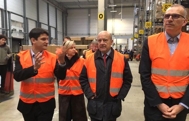 Alain Juppé a rendu visite le 12 décembre 2017 aux visiteurs de Cdiscouent à Cestas charte d'entreprendre.